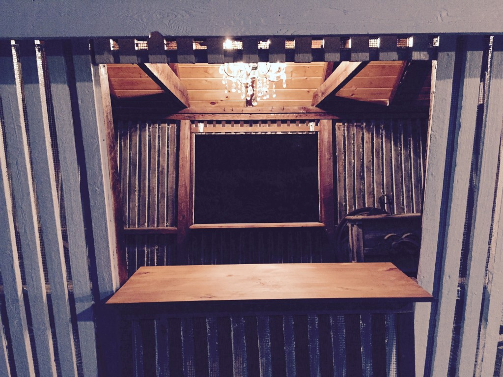 Farm Corn Crib Serving Bar